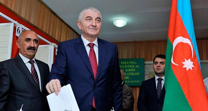 Правящая партия Азербайджана выдвинет Алиева кандидатом впрезиденты