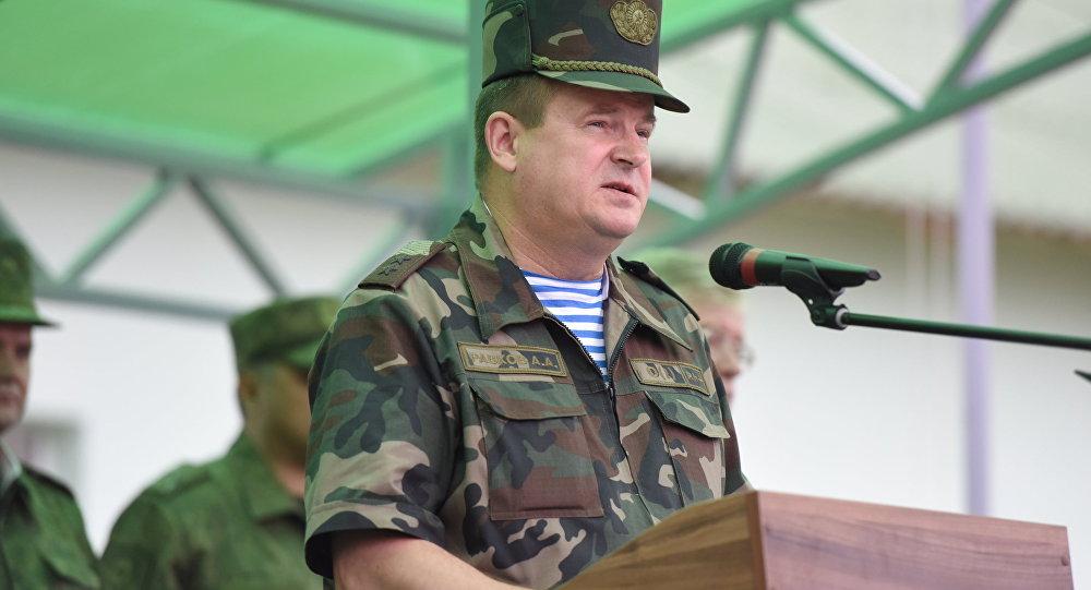 Министр обороны республики Белоруссии гостит упрезидента Азербайджана