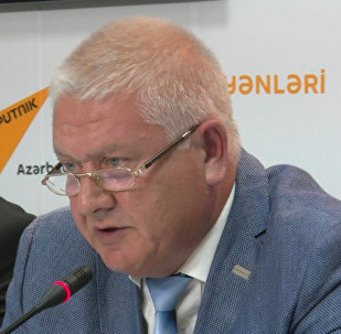 Денисов: Необходимо увеличивать число азербайджанцев, учащихся в России