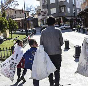 Сирийские дети в турецком городе Газиантеп, 19 февраля 2016 года