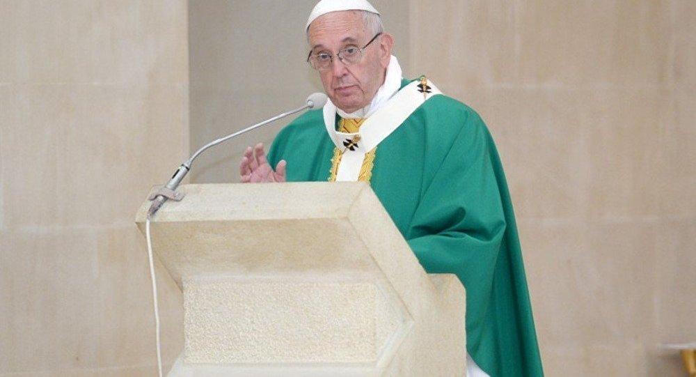 Папа Римский Франциск отслужил мессу вАзербайджанской столице