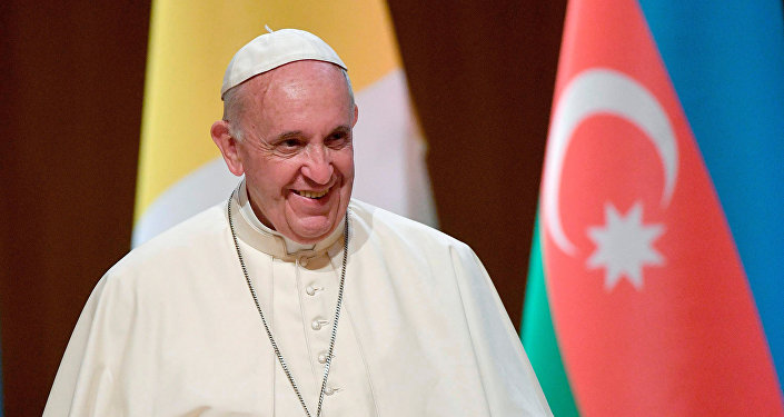 Папа Римский Франциск в Центре Гейдара Алиева