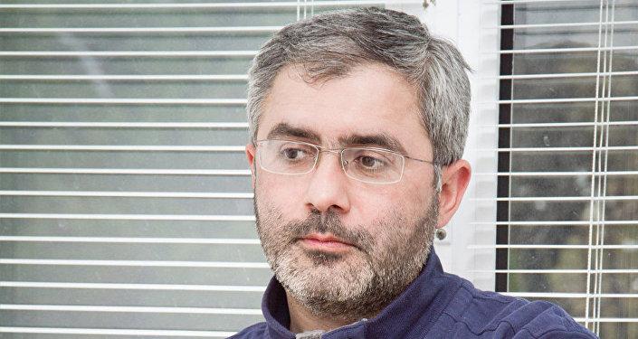 İsmayıl Əhməd, dini ekspert