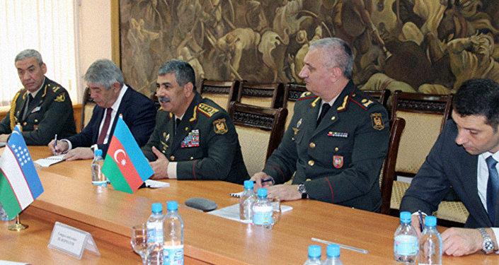 Министры обороны Узбекистана иАзербайджана обсудили вопросы сотрудничества