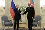 Президент России Владимир Путин и президент Азербайджана Ильхам Алиев, архивное фото