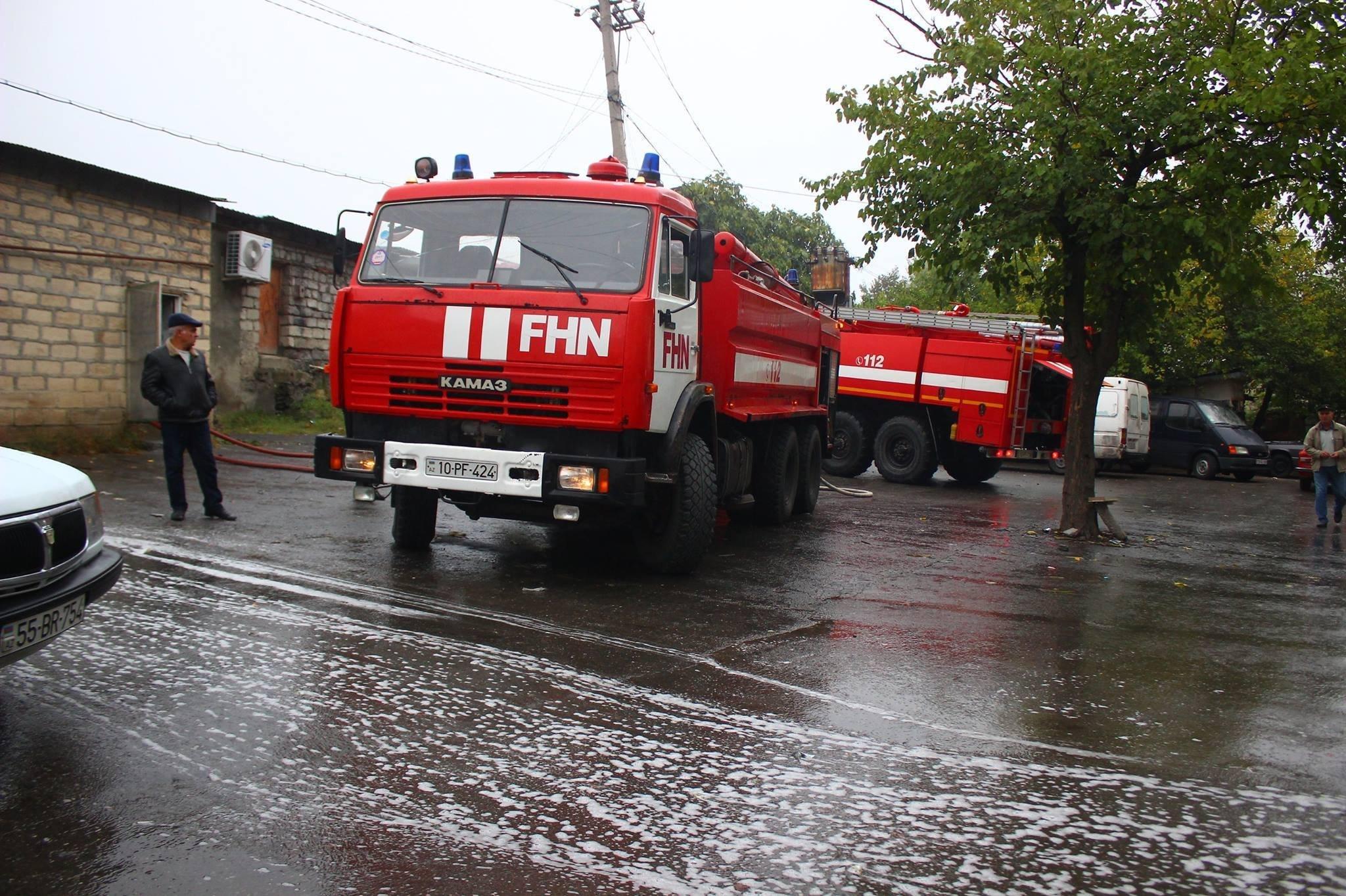 Крупный пожар нарынке водном израйонов Азербайджана потушен
