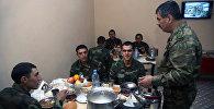 Министр обороны Закир Гасанов побывал в подразделениях воинской части, расположенной на передовой линии