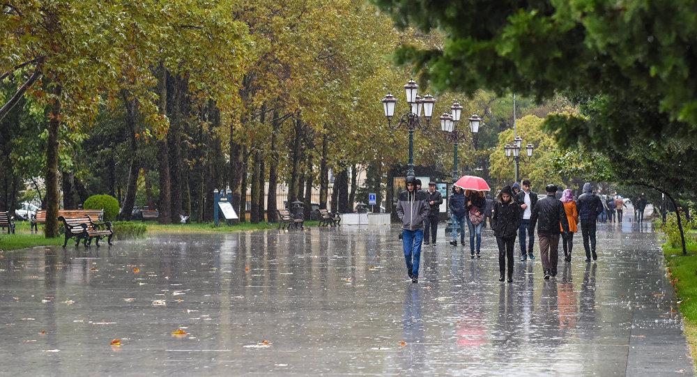 Ливень в Баку, архивное фото