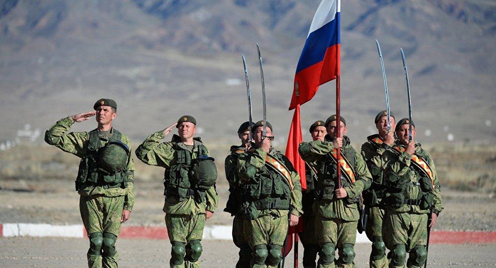 Rusiyalı hərbi qulluqçular, arxiv şəkli
