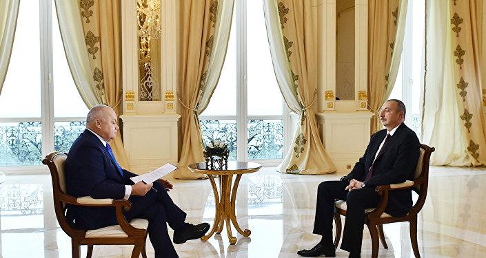 """İlham Əliyev """"Sputnik"""" Beynəlxalq İnformasiya Agentliyinin suallarını cavablandırıb"""