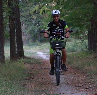Пожилой житель Мингячевира объедет Европу на велосипеде