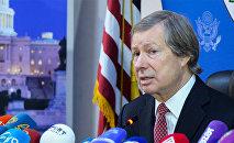 ATƏT-in Minsk qrupunun amerikalı həmsədri Ceyms Uorlik