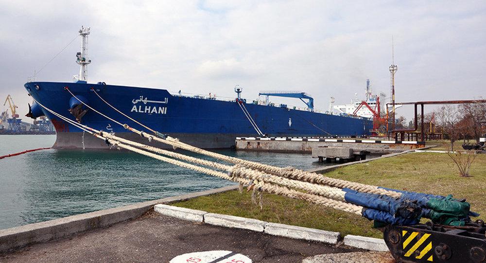 Танкер сазербайджанской нефтью для Мозырского НПЗ разгружен впорту Одессы