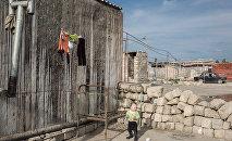 Жизненные условия малообеспеченной семьи, архивное фото