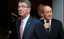 Министры обороны США и Франции Эштон Картер Жан-Ив Ле Дриан