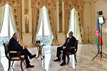 Президент Азербайджана Ильхам Алиев во время интервью генеральному директору МИА Россия сегодня Дмитрию Киселеву