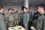 Müdafiə naziri general-polkovnik Zakir Həsənov hərbi aviasiya bazalarından birində olub