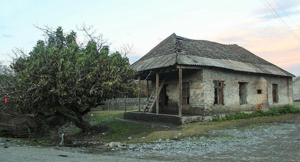 Qax rayonunun Qaratala kəndi