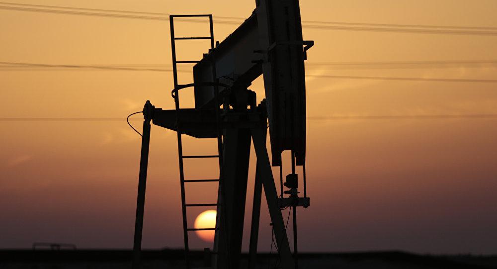 Нефтяной насос, фото из архива
