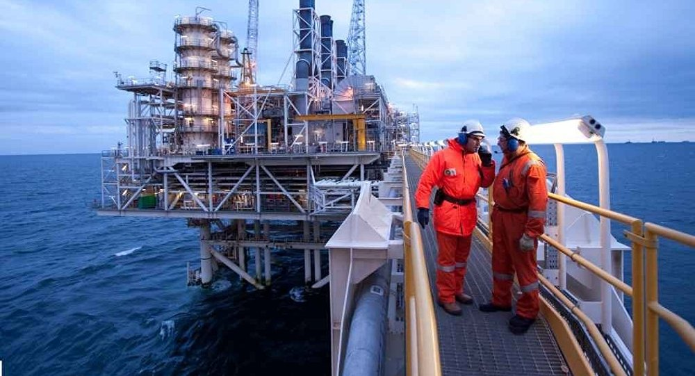 В азербайджанском секторе Каспийского моря пропал работник «British Petroleum»