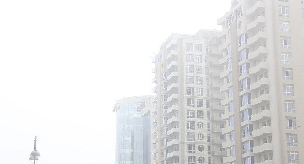 Bakıda dumanlı hava