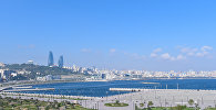 Вид на бакинский бульвар и комплекс Flame Towers в Баку, фото из архива
