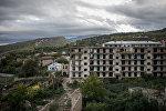 Разрушенные в ходе войны дома в оккупированном азербайджанском городе Шуша, архивное фото