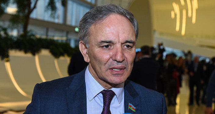Председатель Совета печати АР Афлатун Амашов в ходе V Всемирного конгресса новостных агентств в Баку
