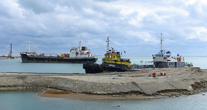 Бакинский международный морской торговый порт, фото из архива