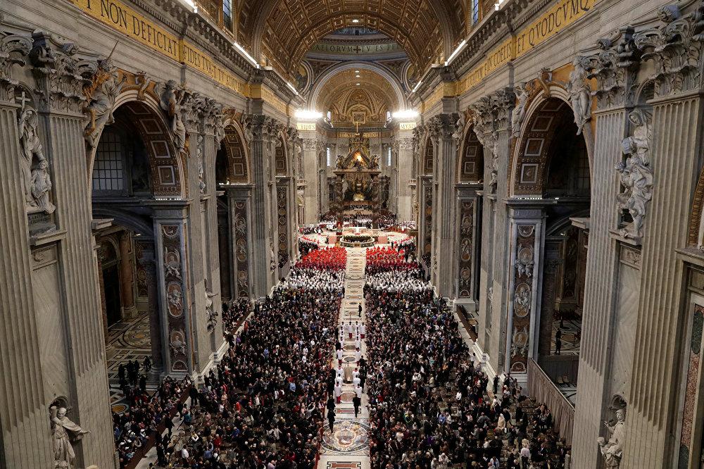 Консистория в базилике Святого Петра в Ватикане