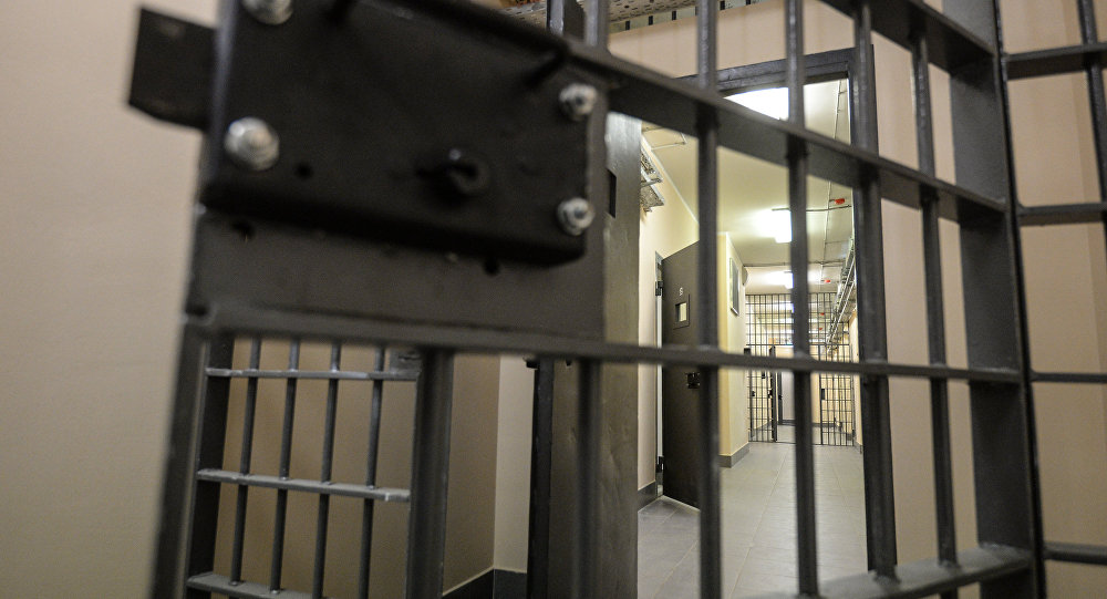 Тюремная дверь, фото из архива