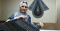 Азербайджанская художница и мастер по росписи Тунзале Мамедзаде и ее шелковый Коран