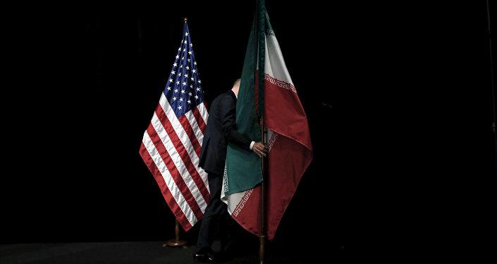 Флаги США и Ирана, фото из архива