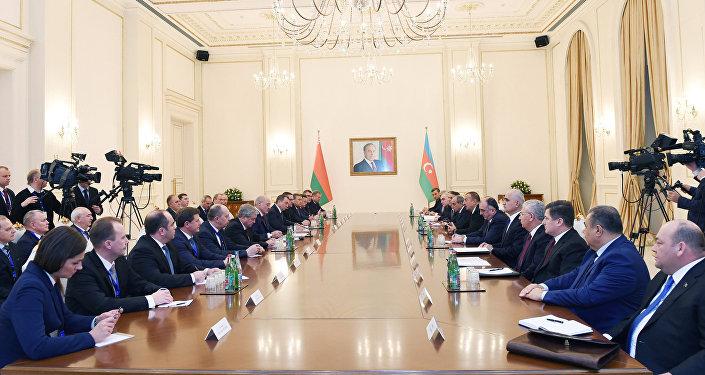 Состоялась встреча Ильхама Алиева и Президента Республики Беларусь Александра Лукашенко в расширенном составе