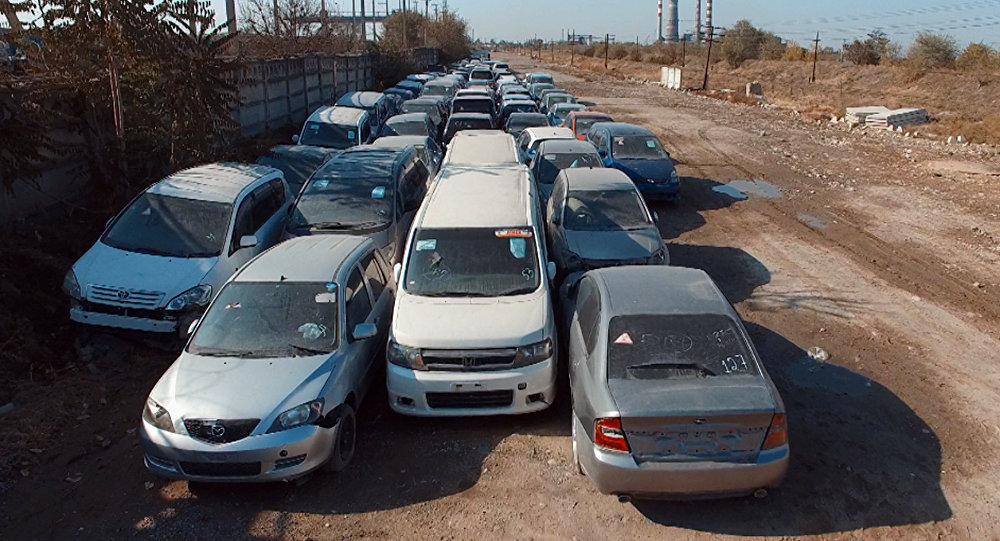 Автомобили с высоким радиоактивным фоном, архивное фото