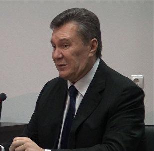 Янукович: нужно думать о том, как объединить две части Украины
