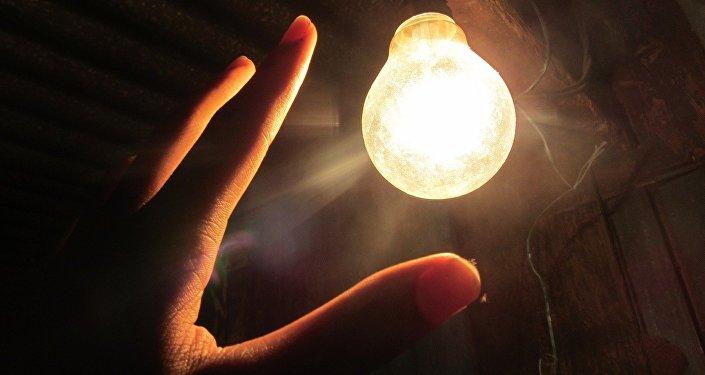 Лампочка, фото из архива