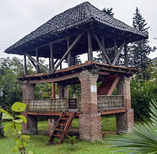 Древний летний дом - лям - в поселке Арчиван Астаринского района