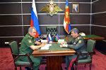 Министр обороны Азербайджана Закир Гасанов (справа) и министр обороны России Сергей Шойгу