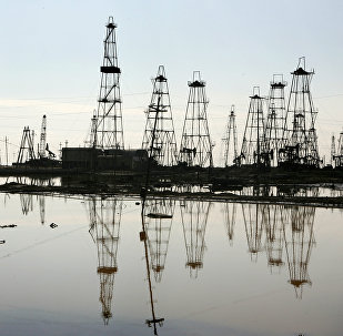 Добыча нефти на Каспии, фото из архива