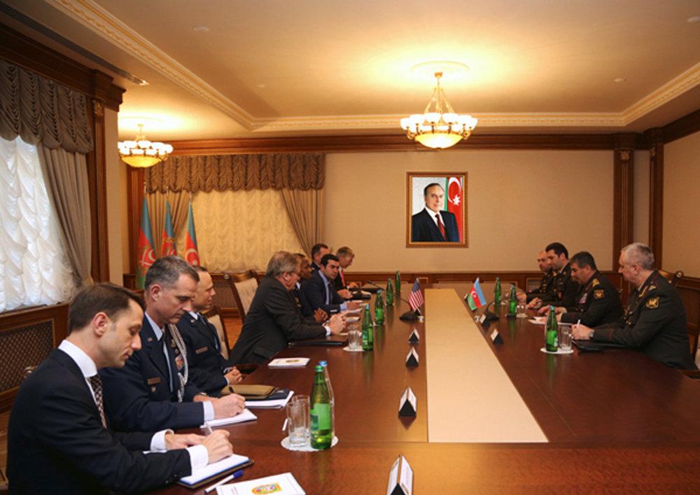 Обеспечение ядерной безопасности является серьезной проблемой для региона— руководитель Минобороны Азербайджана