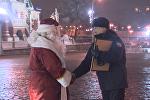 Дед Мороз доставил на Красную площадь новогоднюю ель из Подмосковья