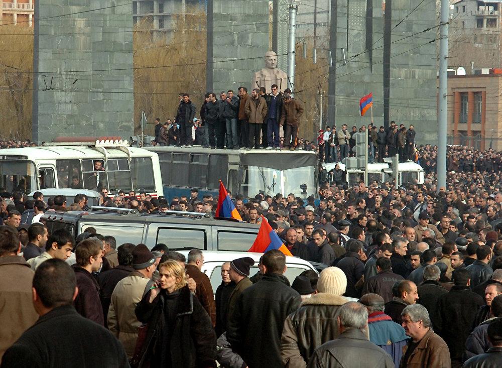 душ телес оппозиция в армении сегодня неуклонно пополняется, уже