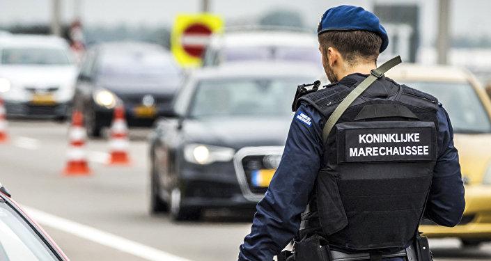 Полицейский в Амстердаме, фото из архива