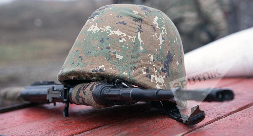 Каска армянского солдата, фото из архива