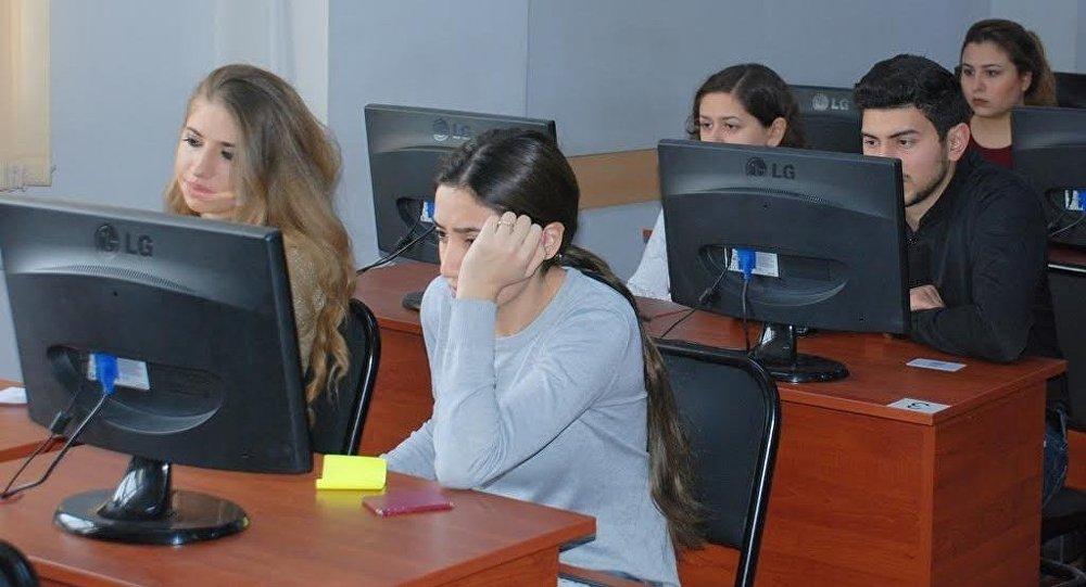 UNEC-də qış imtahan sessiyası