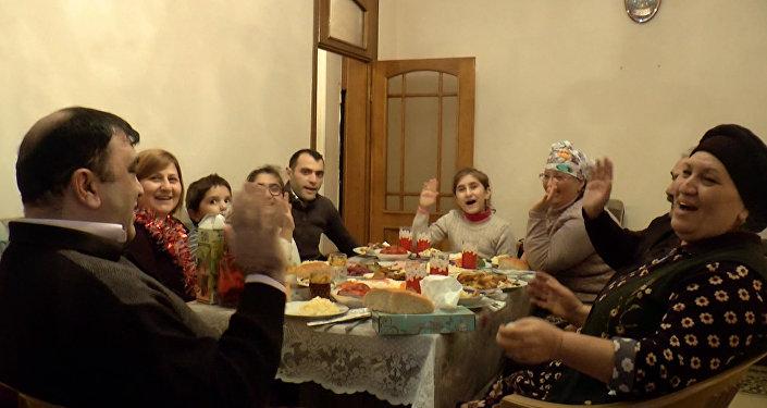 Azərbaycan qonaqpərvərliyi: Yeni il masasının şahı - plov
