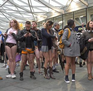 День без штано – как ежегодный флешмоб прошел в Лондоне и Берлине