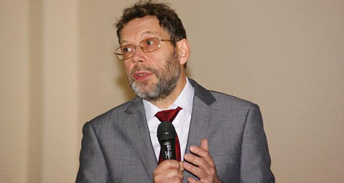 Профессор Андрей Дёмин