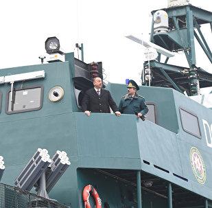 Президент ознакомился с сошедшим со стапелей кораблем «Туфан» Береговой охраны Государственной пограничной службы и новой специальной техникой